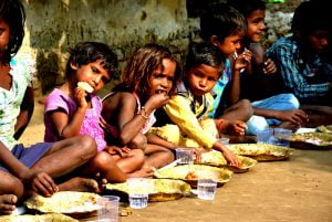 2-2-300x201 The Food Man who brought one-lakh smiles